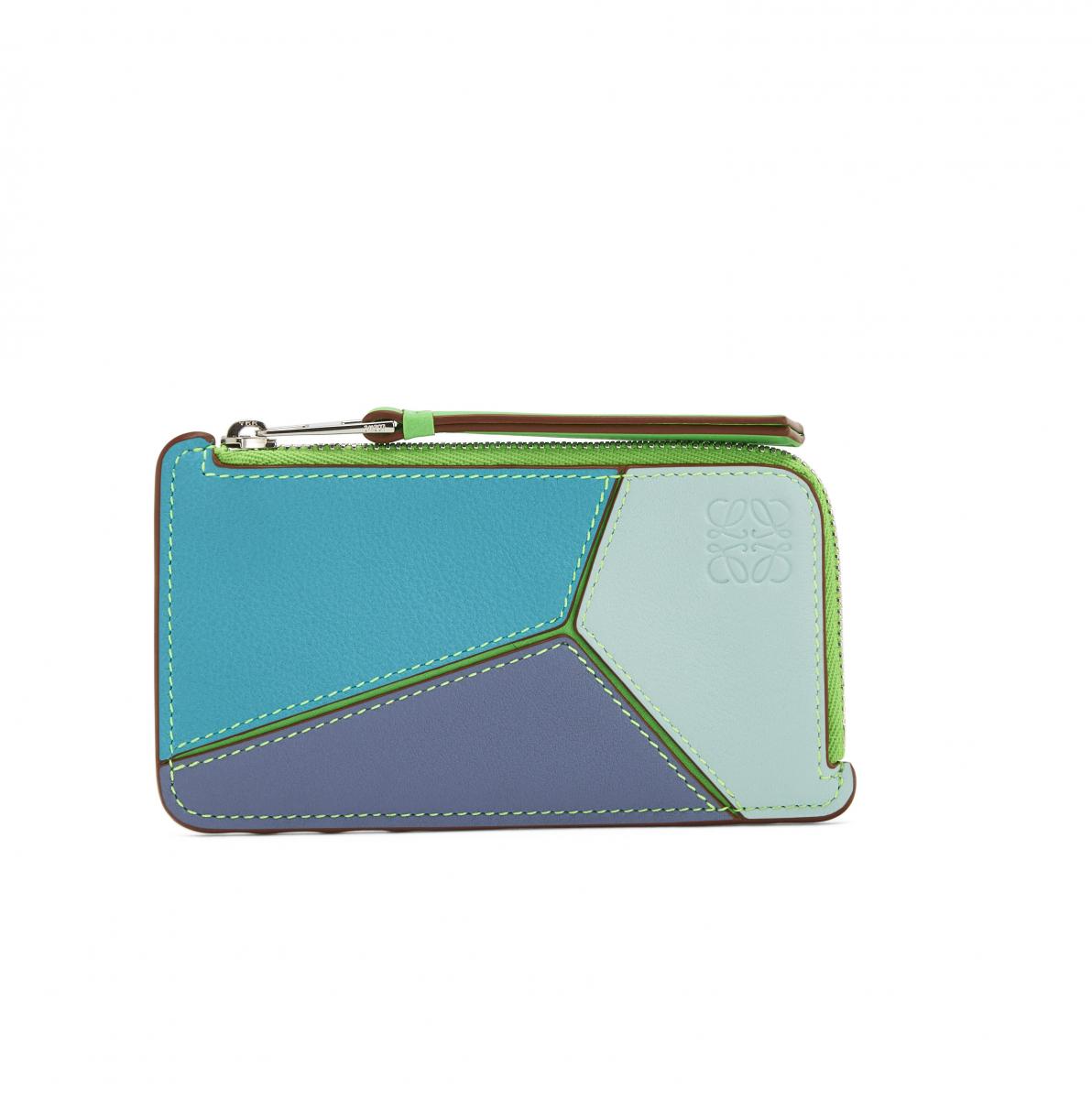 パズル コイン カードホルダー(W12.4×H7×D1.5cm)¥45,000/ロエベ ジャパン クライアントサービス