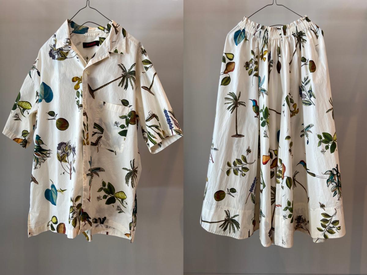 (左より)ショートスリーブシャツ ¥32,000(M〜Lサイズ展開)、ロングスカート ¥38,000(Freeサイズ展開)/キャバン 代官山店