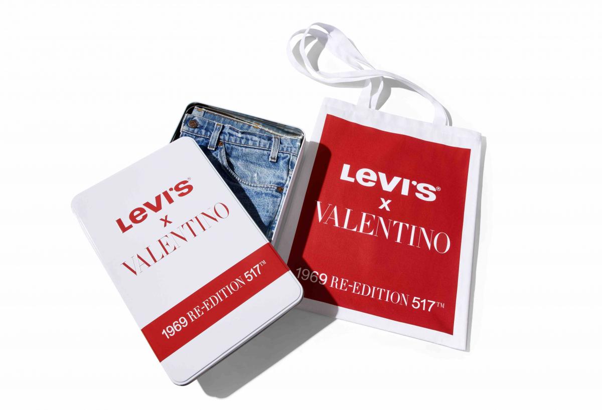 「LEVI'S® RE-EDITION 517」ウィメンズ ¥121,000、メンズ ¥132,000/ヴァレンティノインフォメーションデスク ©LEVI'S® 1969 517 FOR VALENTINO