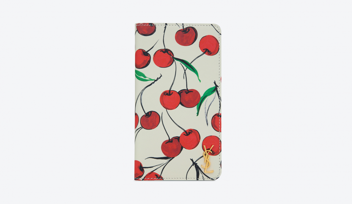 PHONE WALLET FOR iPHONE 11(H15×W8×D1.5cm)¥45,000 ※日本限定/サンローラン クライアントサービス