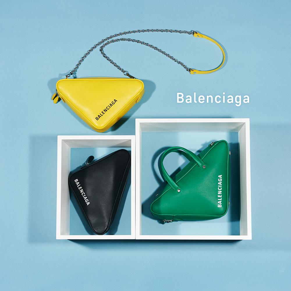 (右下から時計回りに)バッグ[H24×W24×D11cm]¥221,000・バッグ[H20×W20×D5cm]¥89,000・バッグ[H23×W23×D7cm]¥191,000