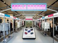 世界初! エンポリオ アルマーニがロゴアイテムを集めたポップアップイベント「EMPORIO ARMANI EAGLE ARCADE」を開催