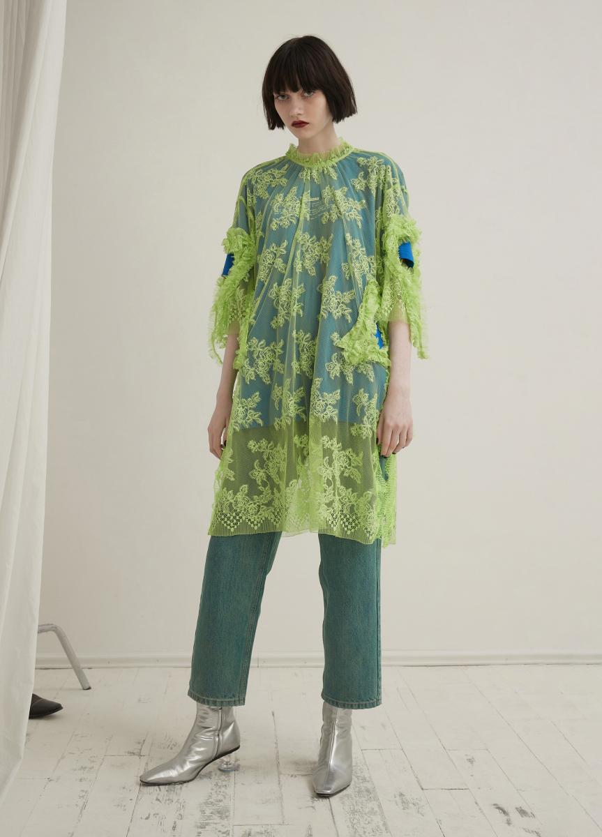 イエローグリーンレースドレス ¥20,000/ジェイエヌビーワイ