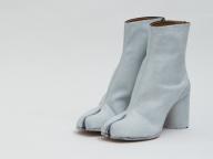 メゾン マルジェラ オモテサンドウのオープン10周年を記念して、「タビ」ブーツ限定発売!