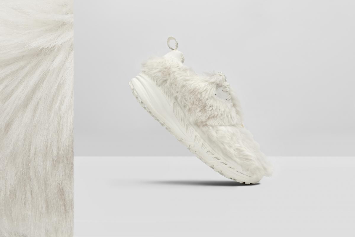 CA805 x 2020 Sneaker(Vaporous Grey) ¥20,000/UGG®︎/ Deckers Japan