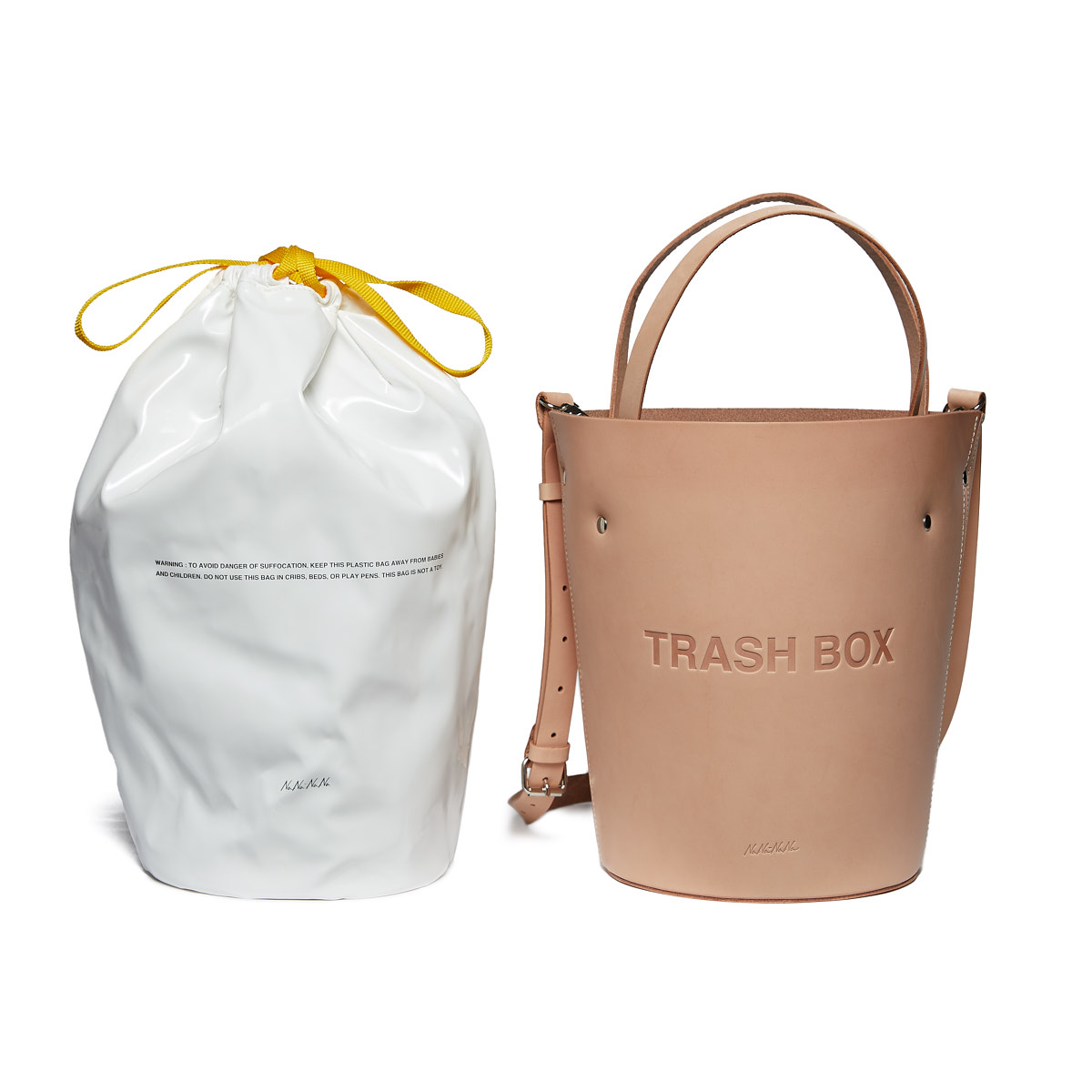 バッグ(ミディアム)「LEATHER NOT A TRASH BOX」¥48,000/ミッドタウンプロジェクト(ナナナナ)