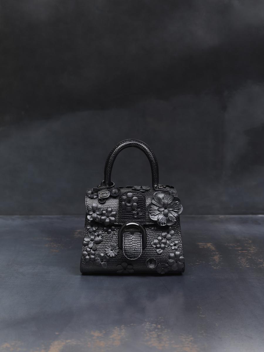 「ブラック ビューティー(闇の美)」¥896,000