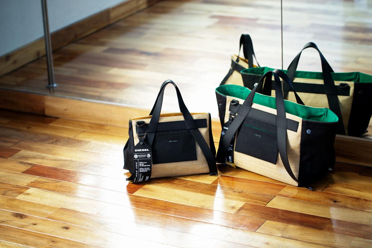 (左より)トートバッグ ラージ ¥28,000、ミディアム ¥25,000 ※ともに日本限定展開/ディーゼルジャパン