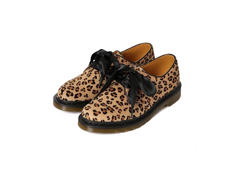 靴「3ホールシューズ」¥32,000(日本限定)/ビームス(ドクターマーチン×レイ ビームス)