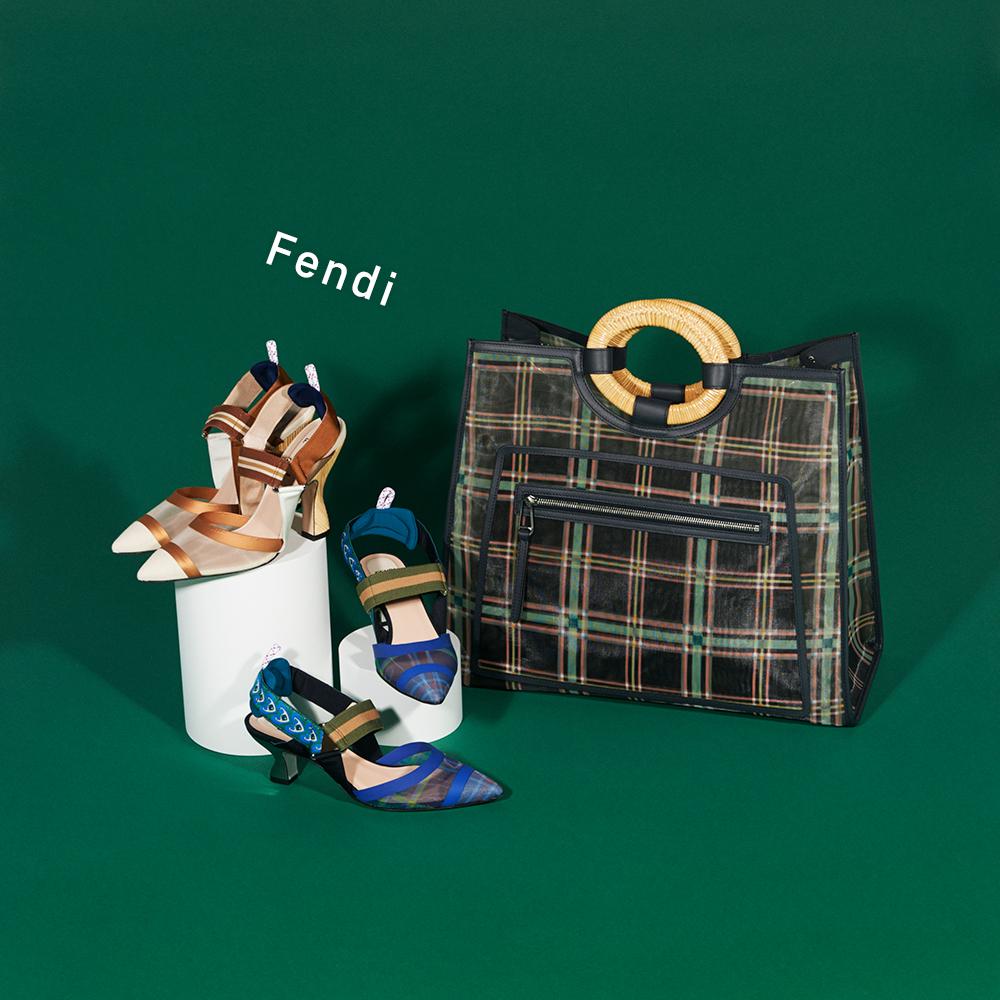 (右から)バッグ[H40×W44×D19cm]¥319,000・パンプス[ヒール6cm]¥98,000・パンプス[ヒール11cm]¥107,000