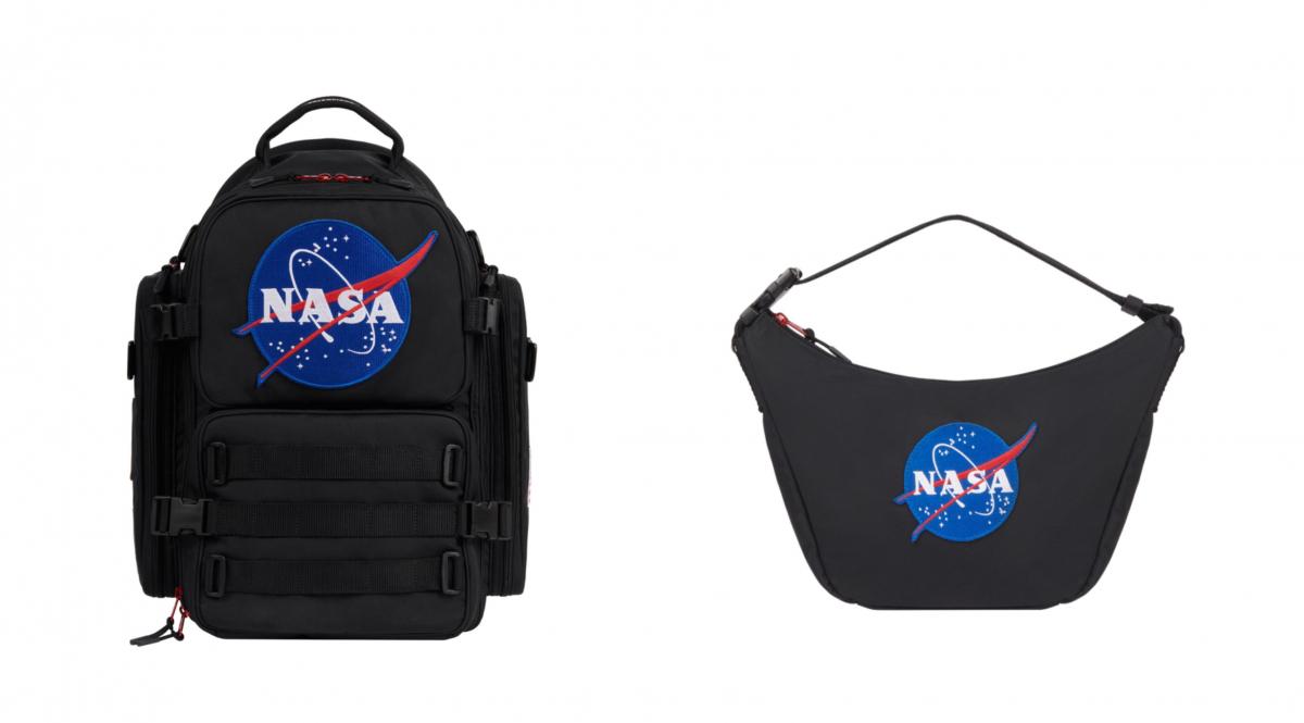 (左より)SPACE BACKPACK BLACK(W37×H52×D28cm)¥196,900、SPACE SLING BAG BLACK(W38×H24×D9cm)¥84,700/バレンシアガクライアントサービス