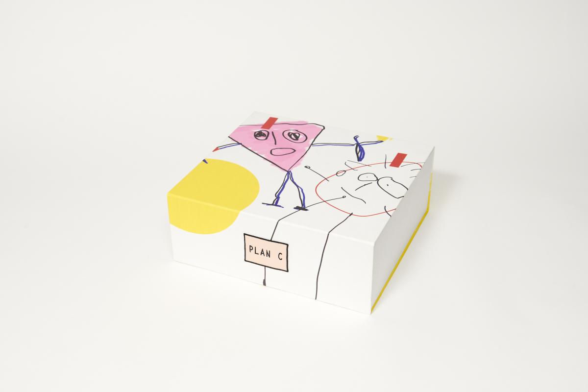 スペシャルギフトボックス ※うめだ阪急店で展開中のポップアップストアと、10月以降に青山店と岩田屋店舗にて同内容で提供。また、阪急オンラインストアでは5万円以上の購入の方に常時このボックスでお届けする。