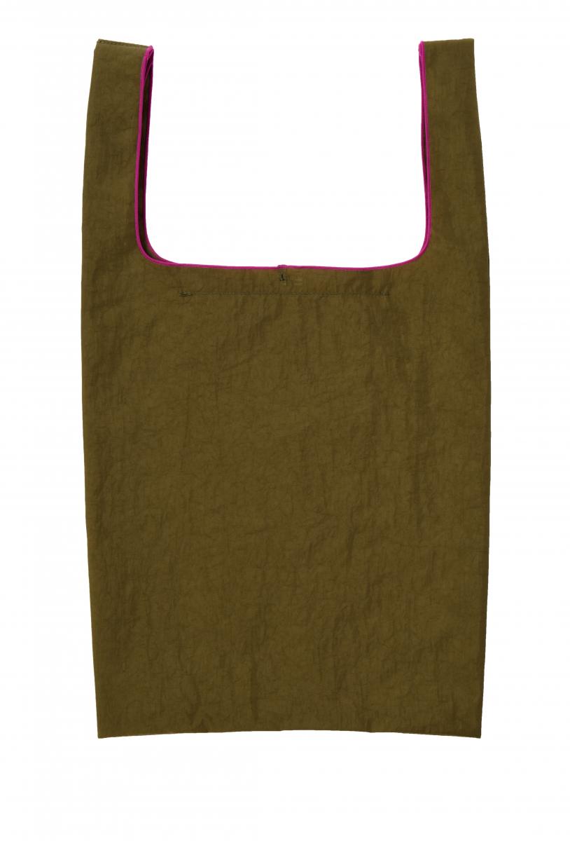 ショッピングバッグ ¥5,000(H56×W30cm、持ち手20cm)※ショルダーストラップ付き/ルシアン ペラフィネ 東京ミッドタウン店