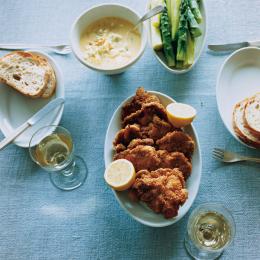 オーバル皿とポークカツレツ - 今月のひと皿 | vol. 5