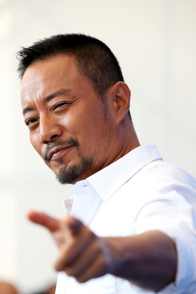 無名ながら主役に抜擢された『戦場のレクイエム』(2007年)で、一躍トップ俳優となった中国のチャン・ハンユー(55)。もとは声優で、『ディズニー・チャンネル』のドナルドダックやハリウッド作品の吹き替えなどを担当していたそう。スクリーン上での男気あふれる演技は、一見の価値あり!