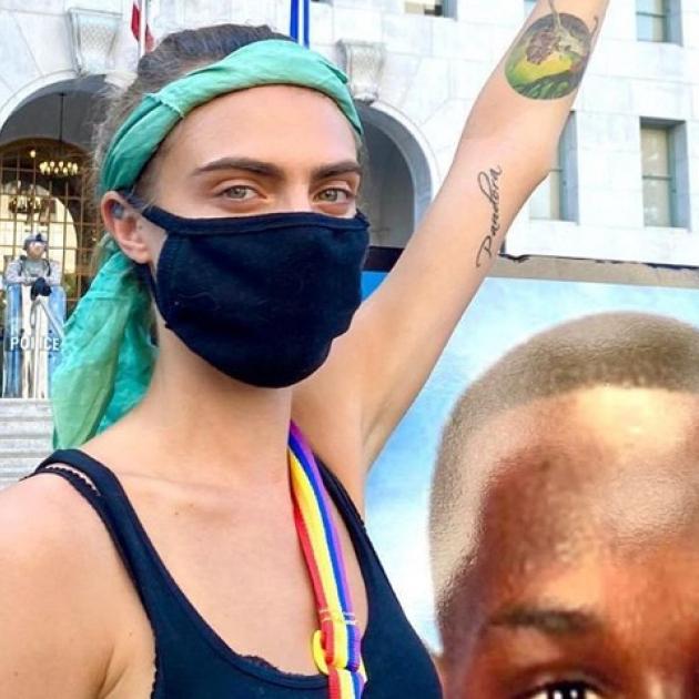 人種差別に抗議! カーラ・デルヴィーニュ、クリステン・スチュワートら人気セレブがデモ行進に参加
