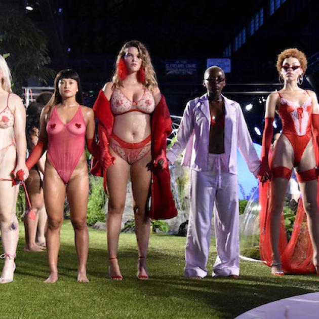 リアーナの下着ブランド、さまざまな体型のモデルを起用し絶賛される #SavageXFenty