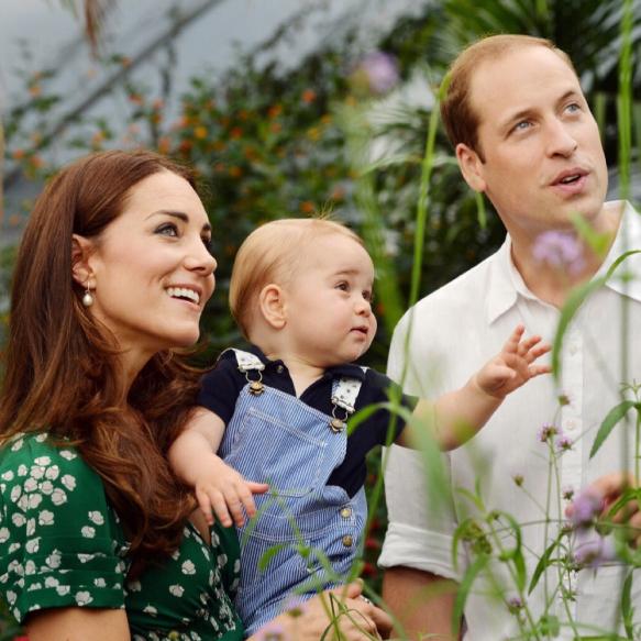 見ているだけで笑顔に! ウィリアム王子&キャサリン妃一家のファミリーフォトを振り返る