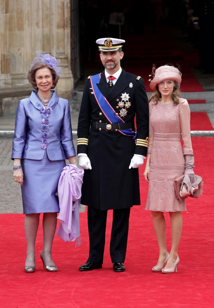 2011年4月に開催されたウィリアム王子とキャサリン妃のロイヤルウェディングには、フェリペ6世と義母ソフィア元王妃と一緒に出席。ペールピンクで統一した気品あふれるスタイルで、同じく民間出身のキャサリン妃の結婚を祝福した。