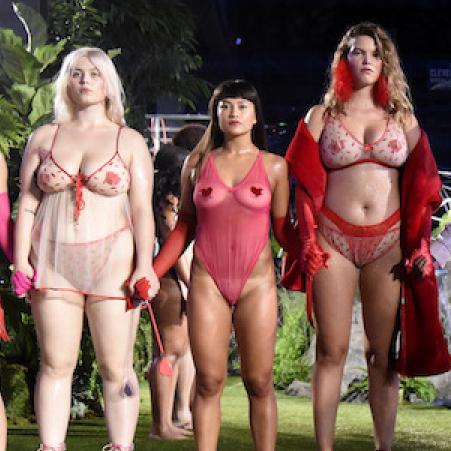 リアーナの下着ブランド、さまざまな体型のモデルを起用し絶賛される