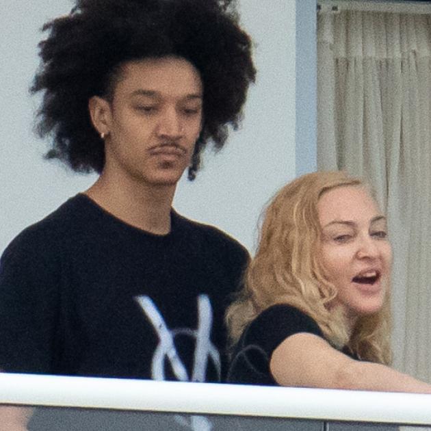 マドンナ&35歳年下の恋人が、娘カップルとダブルデート! マイアミでのバカンスをパパラッチされる