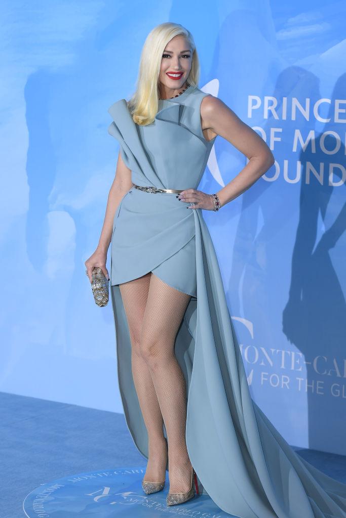 これまでのドレスルックが称えられ、「ピープルズ・チョイス・アワード」で見事ファッションアイコン賞を受賞。50歳を迎えてもなお、変わらない美しさをキープし続けるグウェン。その姿は、まさに世紀のエイジレスクイーン!