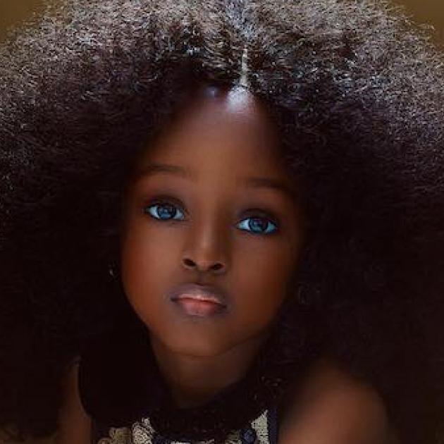 神秘的な瞳に釘づけ。「新世代のバービー」と呼ばれたナイジェリアの美少女