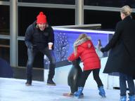 ベッカム・ファミリーが勢揃い! ロンドンで仲良くスケートをする姿をキャッチ