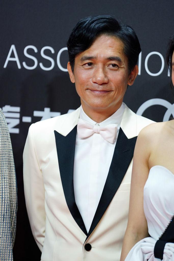 言わずと知れた香港の大御所俳優、トニー・レオン(58)。80年代に映画界に進出すると、『悲情城市』(1989年)や『花様年華』(2000年)などで注目を浴び、いつしか知名度は世界規模に。1年近く休業していたが、タキシードが似合うセクジィとなって、昨年カムバック!