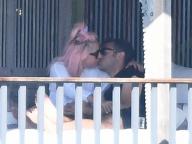レディー・ガガ、すっぴんで熱烈キス! 新恋人はハーバード大卒のインテリ起業家