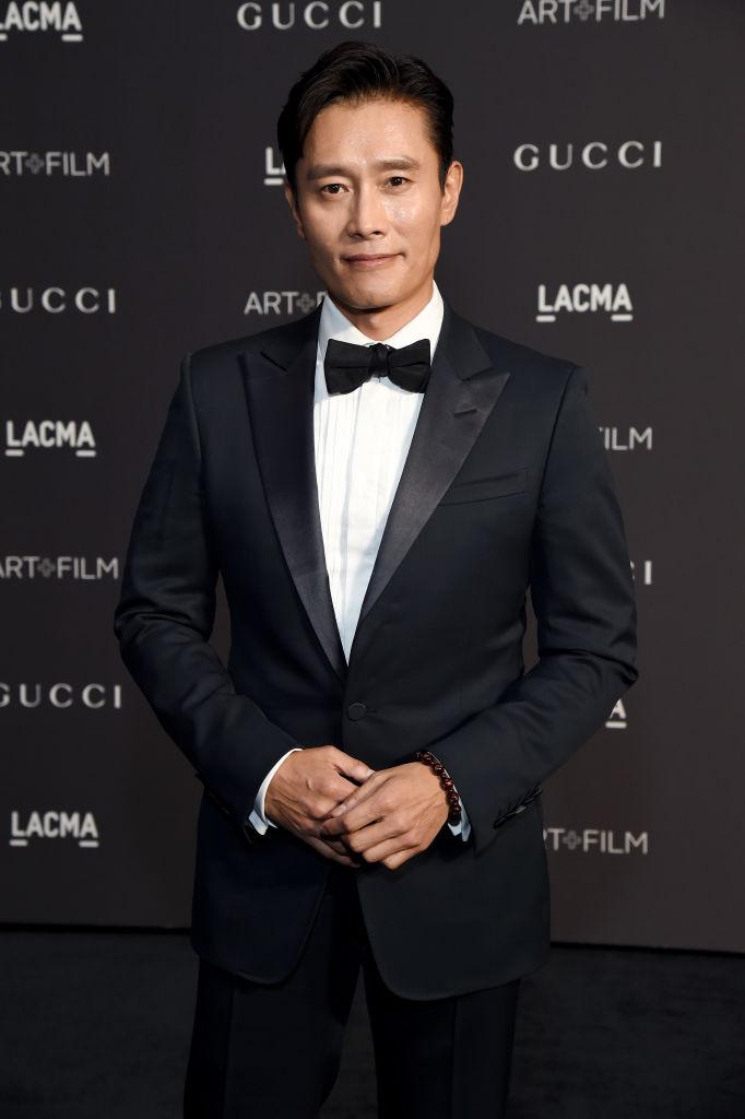 第一次韓流ブームを牽引し、今年デビュー30周年を迎えたイ・ビョンホン(50)。2009年に『G.I.ジョー』でハリウッド進出を果たすと、その後、米アカデミー賞のプレゼンターにも抜擢! 国際派俳優としての地位を確立した今、凛々しいルックスと確かな演技力で、ファンを増やし続けている。