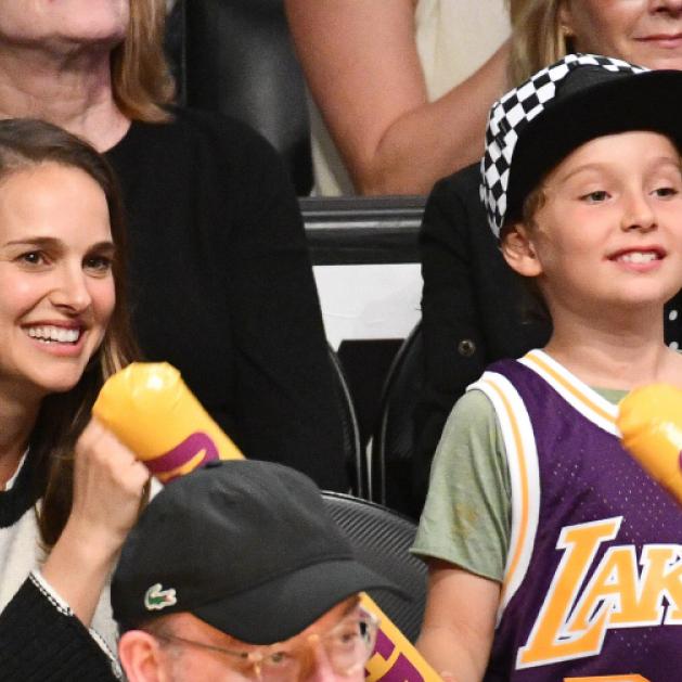 ナタリー・ポートマン、7歳のイケメン息子とバスケ観戦! 会場で大はしゃぎ