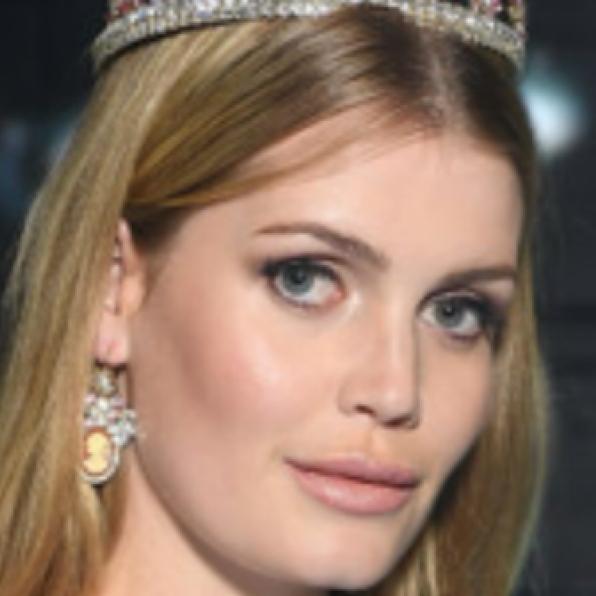ダイアナ元妃譲りの美貌! キティ・スペンサー28歳、名家のお嬢様らしい品格で世界を席巻