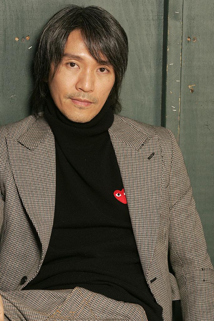 『少林サッカー』(2001年)で一世を風靡した香港のチャウ・シンチー(58)。監督としての活躍も目覚ましく、『カンフーハッスル』(2004年)や『西遊記』(2013年)、『人魚姫』(2016年)などを立て続けにヒットさせている。グレーヘアになって、大人の魅力が増したとのうわさ。