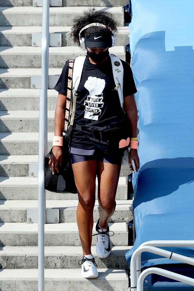 28日(現地時間)に再開された試合にカムバック! 着用したのは、BLM(黒人差別反対運動のスローガン)のTシャツ。