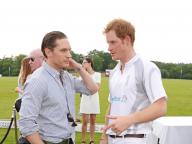 知られざる友情! 英ヘンリー王子と人気俳優トム・ハーディの意外な親交を振り返る