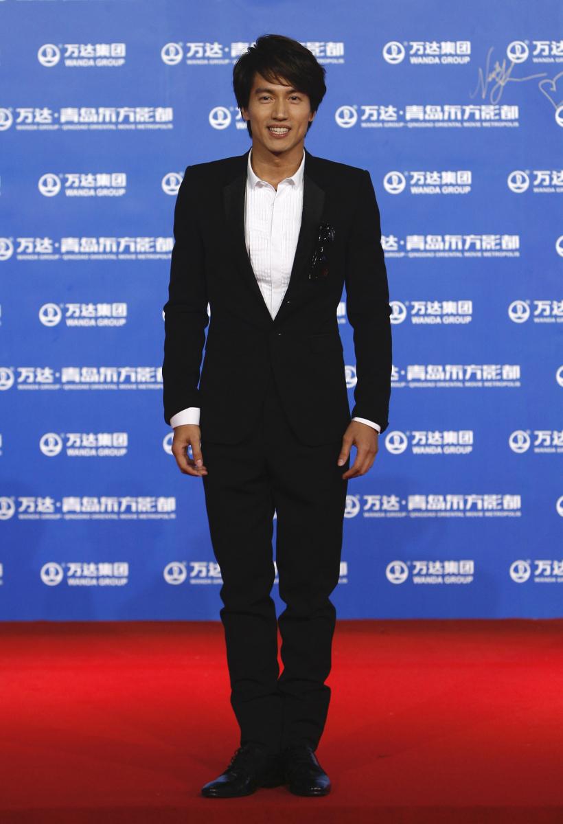 2001年、台湾版『花より男子』で道明寺役を演じ、アジア全土を熱狂させたジェリー・イェン(43)。レッドカーペットで見せる爽やかな笑顔は、「台湾の木村拓哉」ともてはやされていた当時のまま! 今年もロマコメドラマで主演を務めるなど、いまだ根強いファンに愛され続けている。