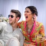 祝・結婚! ニック・ジョナス&プリヤンカー・チョープラー、幸せいっぱいの笑顔をキャッチ