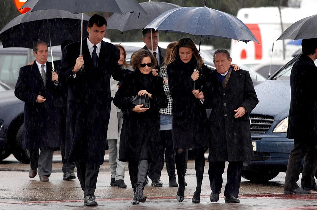 2007年2月、レティシア妃の妹エリカが薬の過剰摂取により亡くなる。当時第2子を妊娠していたレティシア妃は、ショックに打ちひしがれたという。悲痛の中、フェリペ6世や家族とともに葬儀に出席する姿が大きく報じられた。
