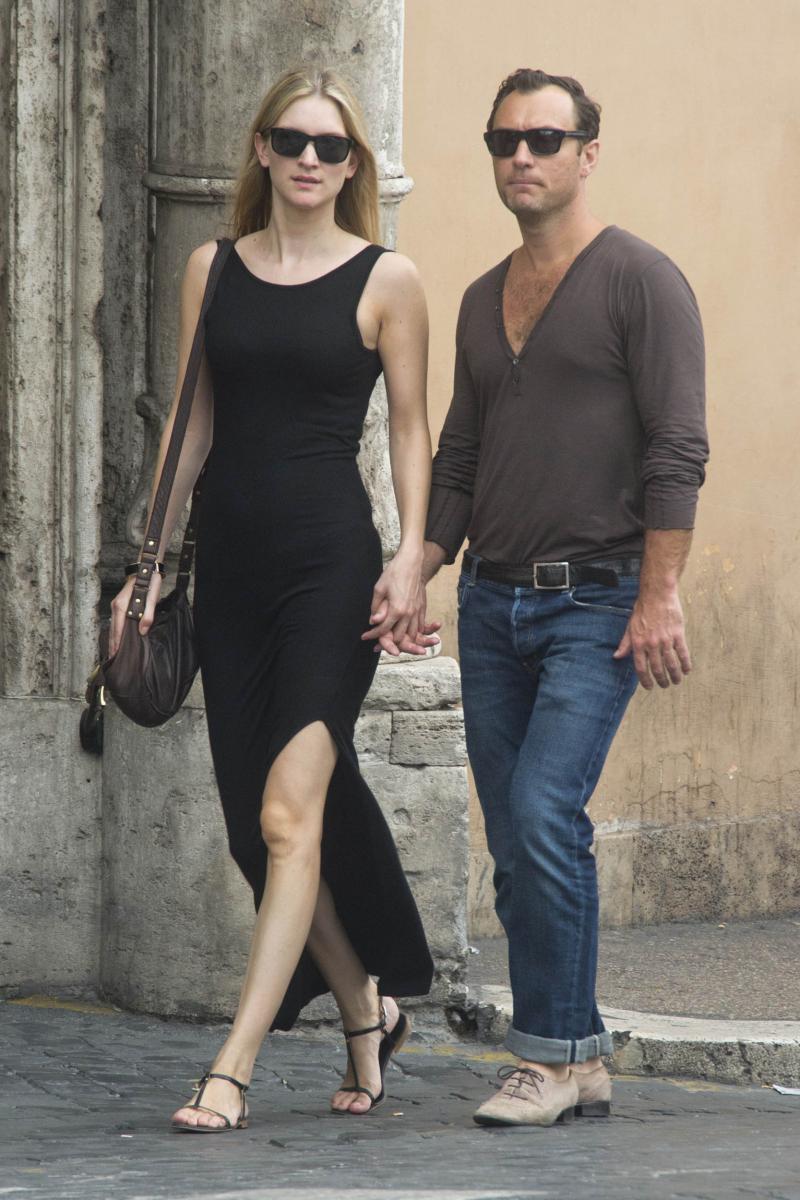 2019年2月、一般人女性フィリッパ・コーンと婚約した俳優のジュード・ロウ。