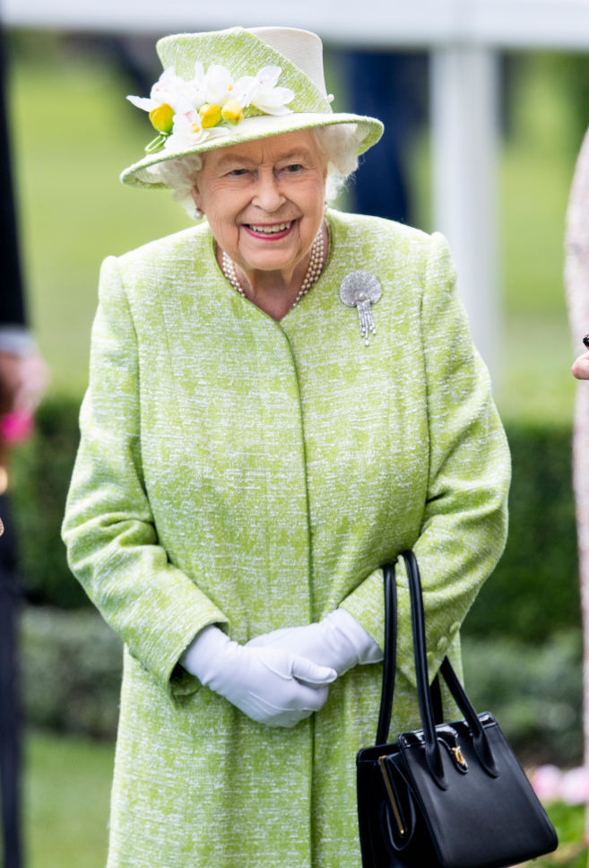 エリザベス女王(94)が設立した慈善団体「ロイヤル・コレクション・トラスト」が、新しいお酒「バッキンガム・パレス・ジン」を発売することを発表。