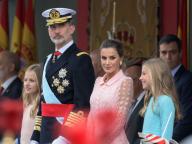 レティシア妃の美しさに目を奪われる! ナショナルデー式典にスペイン国王一家が勢揃い
