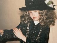 クリスティーナ・アギレラ、美少女すぎる秘蔵写真を初公開! 圧倒的なスターオーラで世間を驚かせる