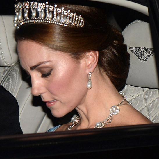 何度見ても美しい! キャサリン妃、故・ダイアナ元妃のティアラをつけて公務に登場 - セレブニュース | SPUR