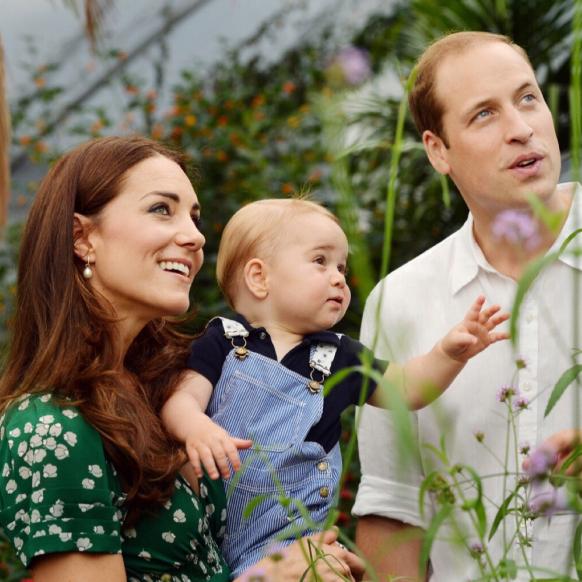【SPUR】見ているだけで笑顔に! ウィリアム王子&キャサリン妃一家のファミリーフォトを振り返る