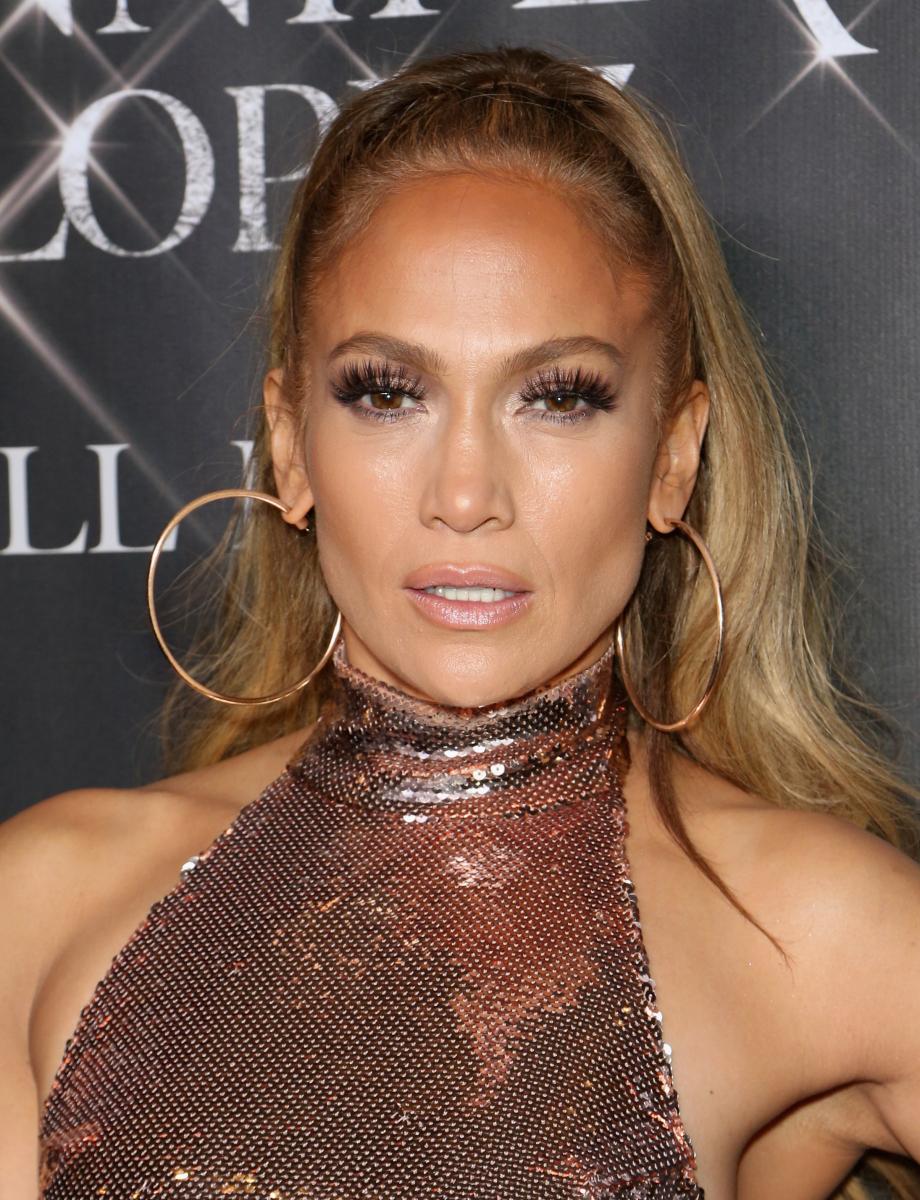 歌手、女優として活躍するジェニファー・ロペスのプロフィール