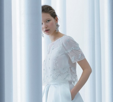 モードな花嫁におすすめのドレスやアイテムが満載 ノバレーゼ公式サイトをチェック