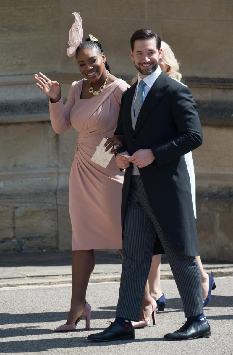 メーガン妃&ヘンリー王子のロイヤルウェディングに出席したテニス選手のセリーナ・ウィリアムズ(左)と「Reddit」の共同創業者で夫のアレクシス・オハニアン