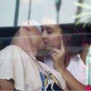 クロエ・グレースとは破局していた!? ブルックリン・ベッカムとカナダ人モデルのキス現場をキャッチ