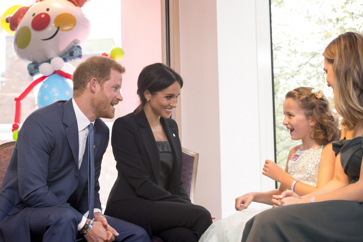 チャリティイベント「ウェルチャイルド・アワード」に夫婦揃って参加したヘンリー王子&メーガン妃
